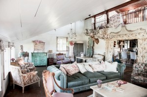 Livin on a Prarie - a peek at Rachel Ashewell's chic Texas B&B, the Prairie - minutes from the Round Top Flea Market.